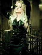 Gotycka satynowa suknia sznurowana...