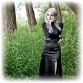 Gotycka satynowa suknia sznurowana