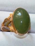 złoty pierścionek ale jaki to kamień