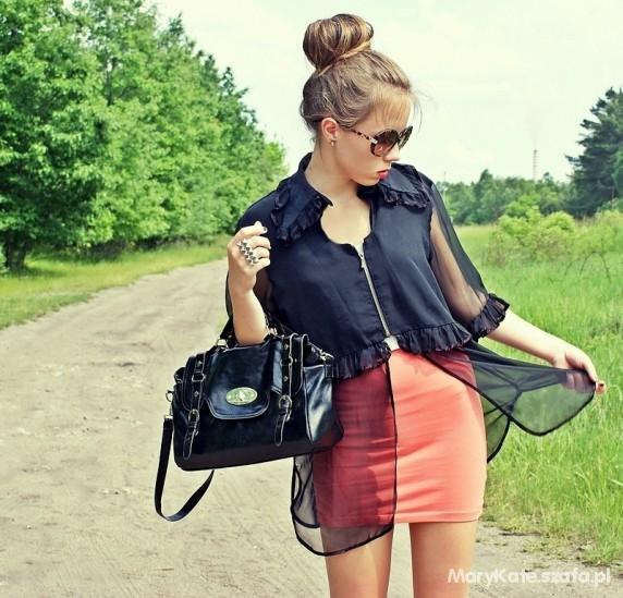 transparent black shirt & alexa bag