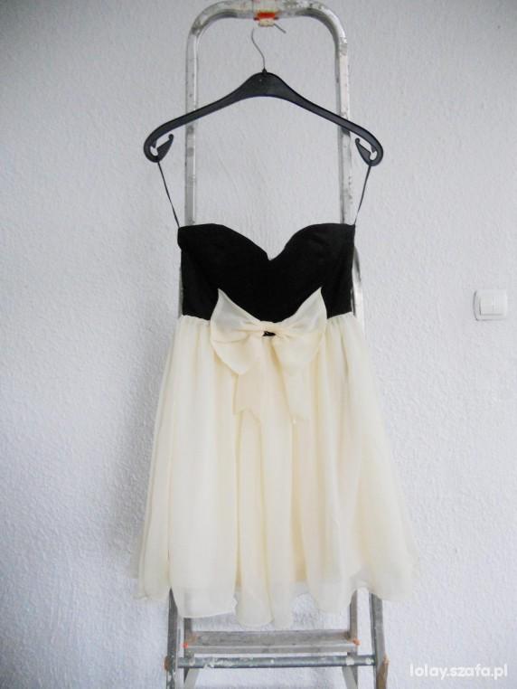 Suknie i sukienki Asos babydoll sukienka rozkloszowana z kokardą