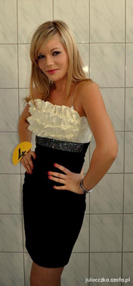 Wieczorowe Sukienka z falbankami