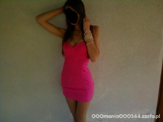 Romantyczne Cudowna różowa sukienka od Miss Selfridge
