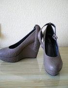 nowe buty na koturnach 38