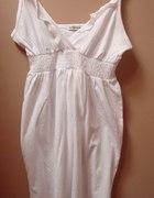Biała sukieneczka...