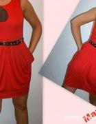 Sexowna czerwona sukienka