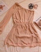 sukienka pudrowy róż na jedno ramie