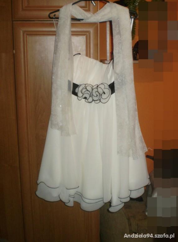 Eleganckie Elegancka kremowa sukienka