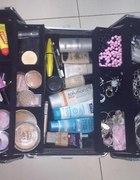 moje kosmetyki i bizuteria kosmetyczka...