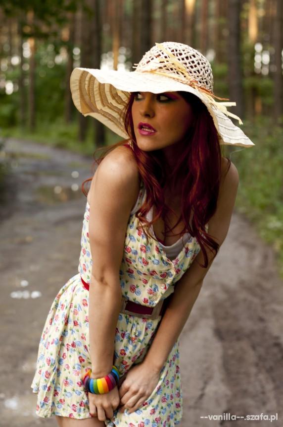 Romantyczne sukieneczka kapelusz