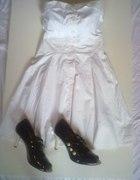 Kremowa sukienka Bershka