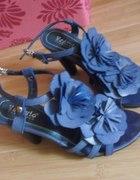 niebieskie szpilleczkisandały z kwituszkiem
