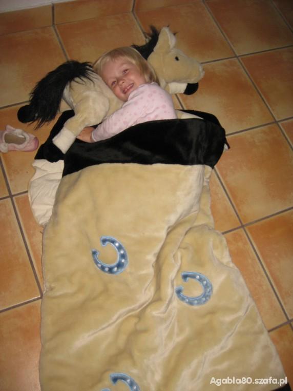 Zabawki Nowy pluszowy śpiworek z poduszką KONIK