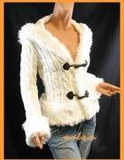 Biały sweterek z futerkiem