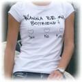 T shirt z napisem i jeansy