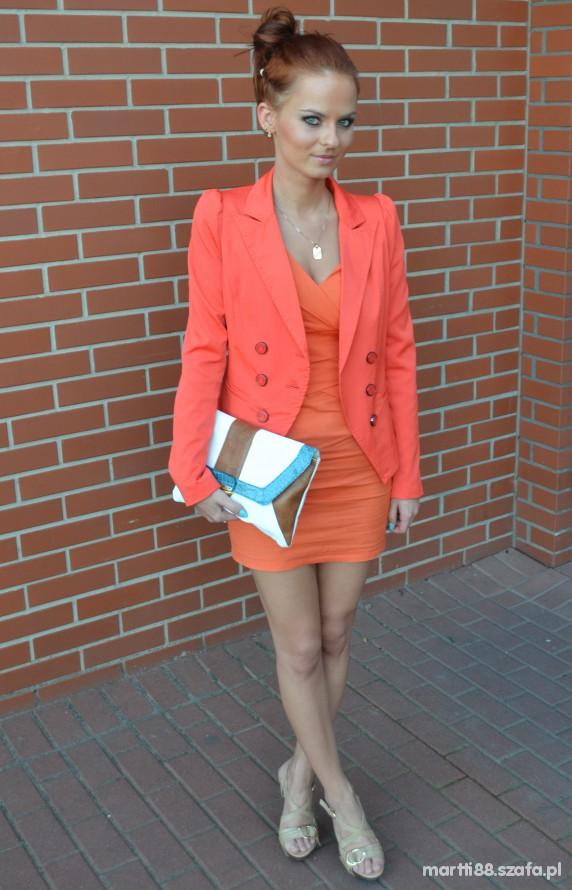 Eleganckie orange marynarka sukienka atmosphere torebka