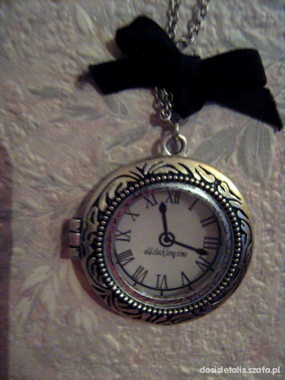 Naszyjniki otwierany retro zegarek
