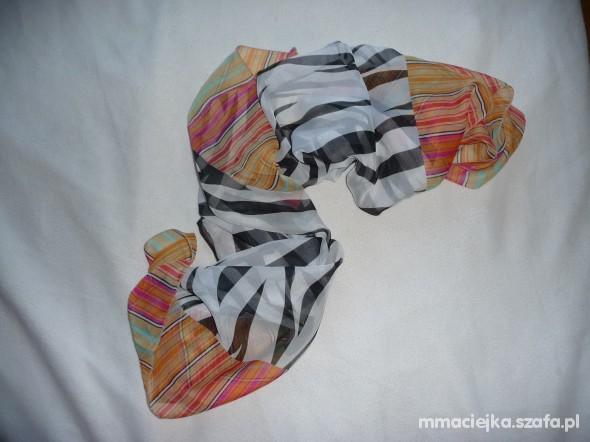 Chusty i apaszki Apaszka kolorowa w zebrę