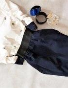 sukienka guzki