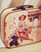 Paryska walizeczka