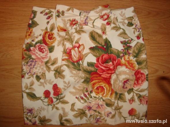 Spódnice Nowa spódniczka floral w kwiaty