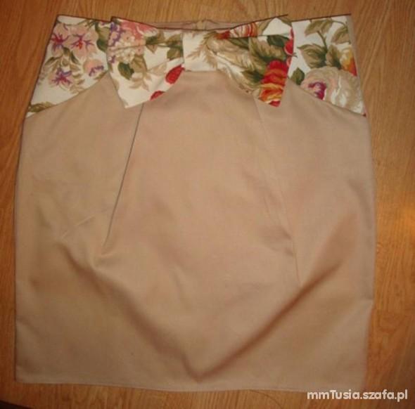 Spódnice nude floral