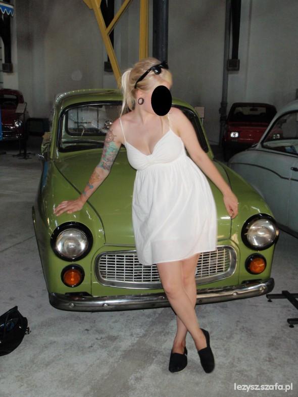 biala sukienka i takie tam