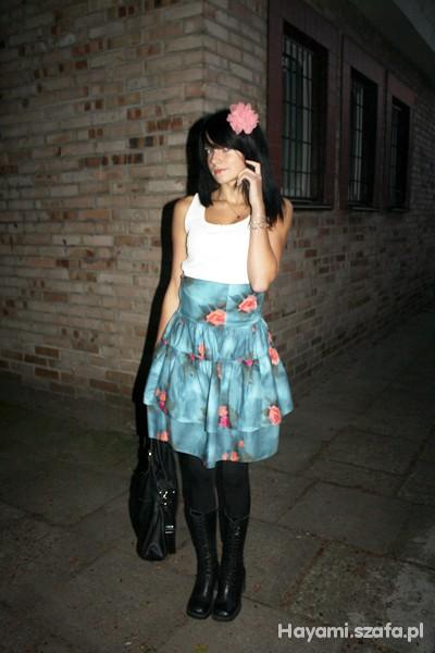 Romantyczne kwiaciasta spódnica