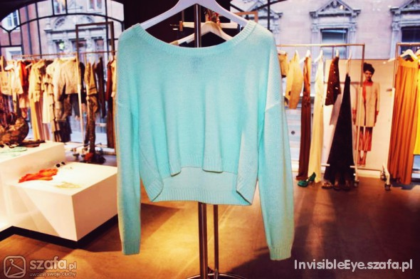 Miętowy sweterek oversize H&M...