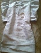 biała sukienka z bufkami