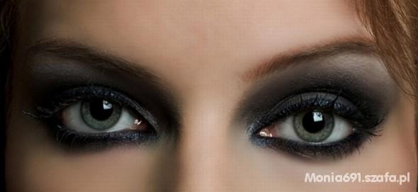 smokey eyes...