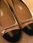 Karmelowe balerinki Chanel...
