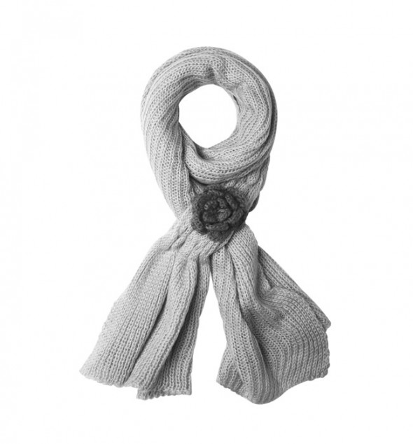Scarf with flower...
