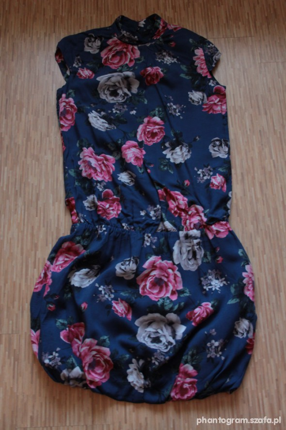Suknie i sukienki RESERVED bombka w róże ze stójką