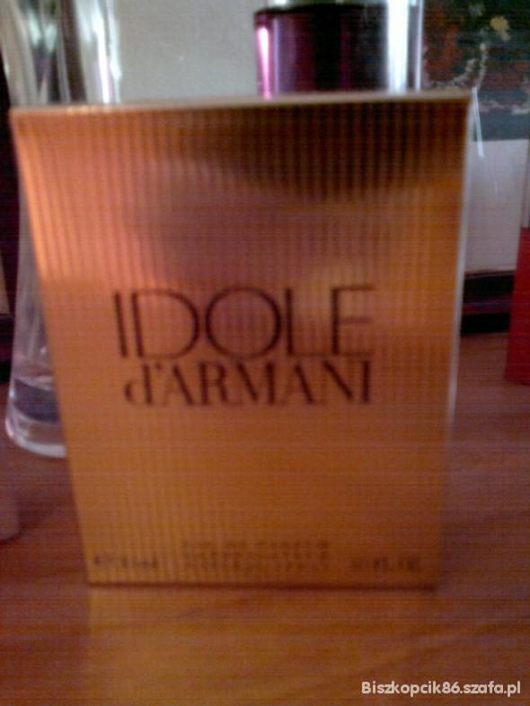 Idole Armani...