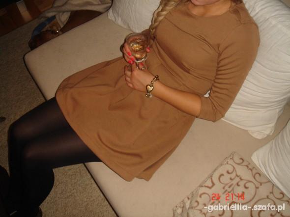 Suknie i sukienki Rozkloszowana
