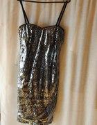 Sukienka z cekinów na sylwestra