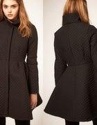 Rozkloszowany płaszcz ASOS