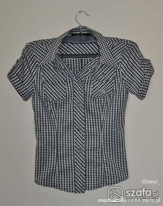 koszulka w czarno białą kratkę