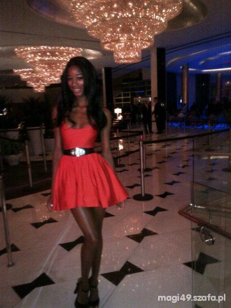 Wieczorowe czerwona sukienka