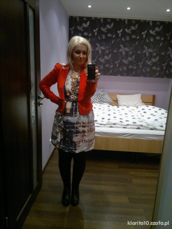 Do pracy lady in red