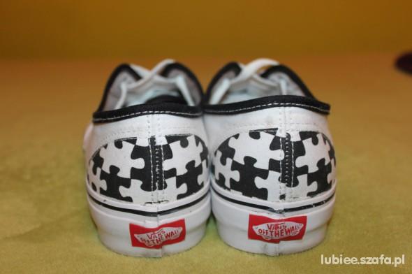 Buty Vans puzzle w Sportowe Szafa.pl