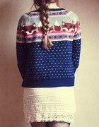 Sweterek z liskami