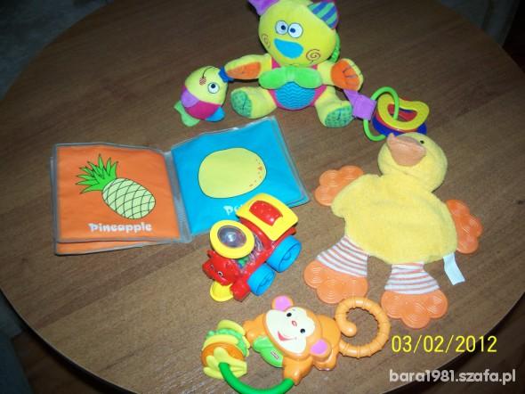 Zabawki SUPER zestaw grzechotek