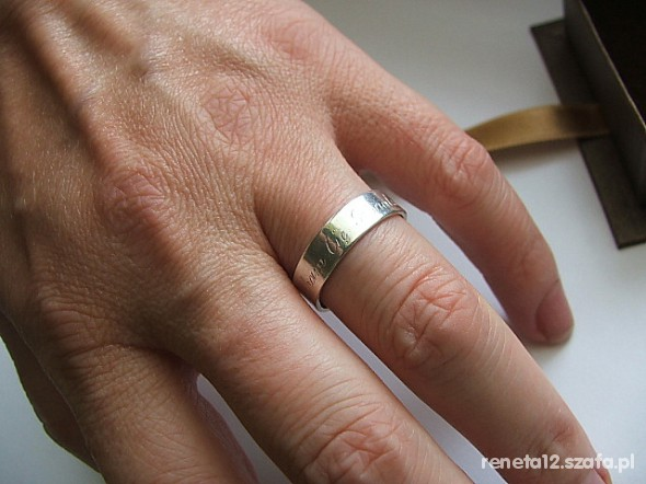 srebrna obrączka z napisem