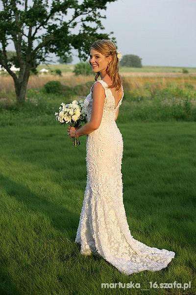 Na specjalne okazje Suknia ślubna koronkowa