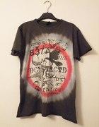 t shirt z rockowym motywem