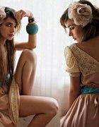 cudnie nude sukienka koronka plus turkuowe dodatki