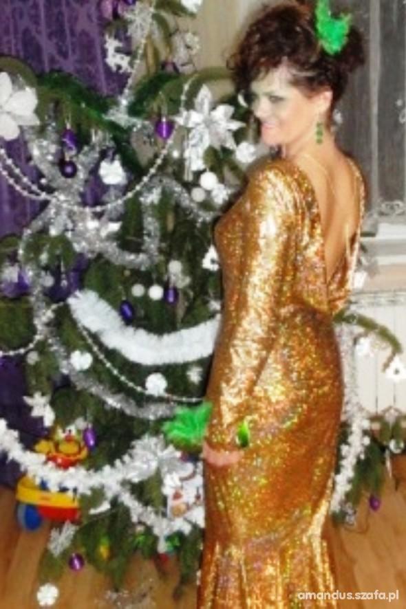 Na specjalne okazje zlota długa sukienka