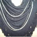 czarna z łańcuszkami